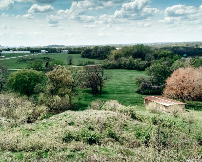 Distant view of St. Louis from Monks Mound