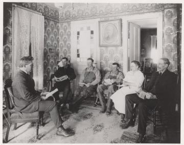 An early Extension meeting 1913